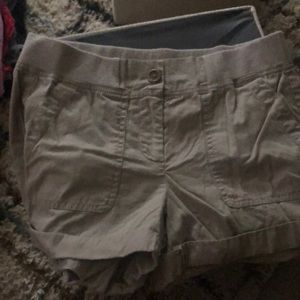 Loft. By Ann Taylor. Stretch waist shorts.